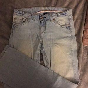 Amethyst light blue wash jeans